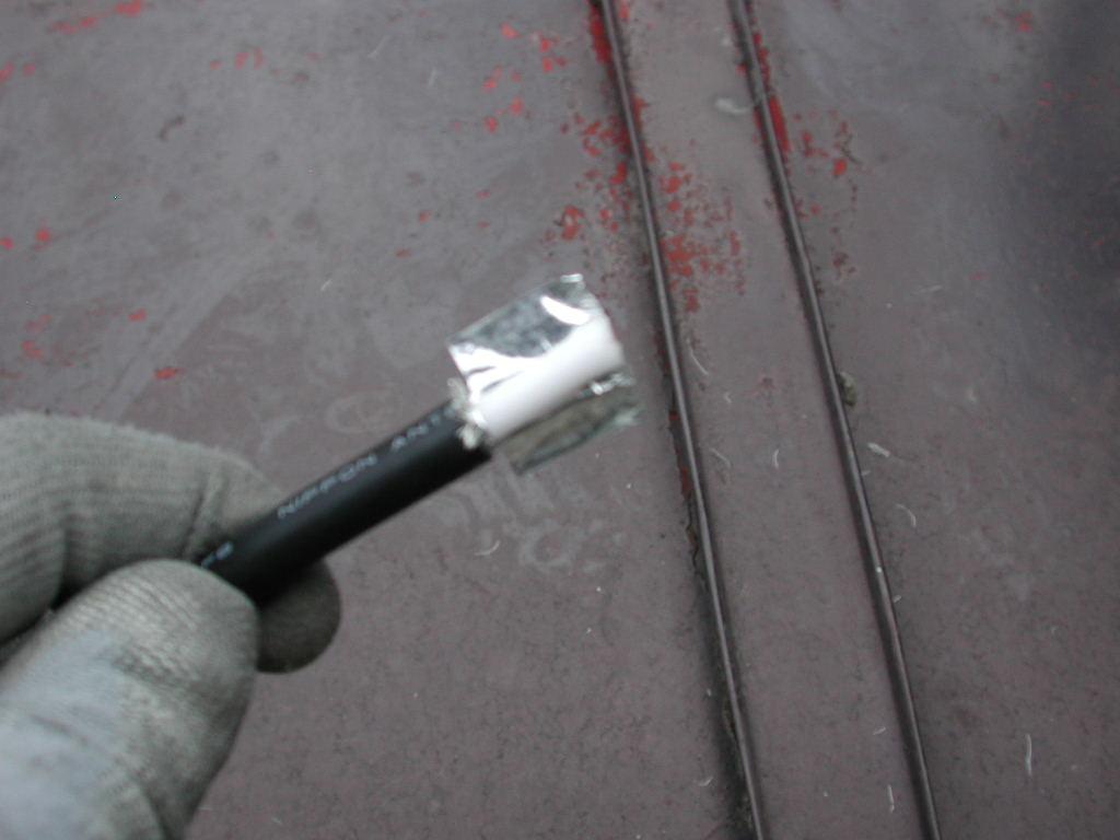 網とアルミ箔を切ります