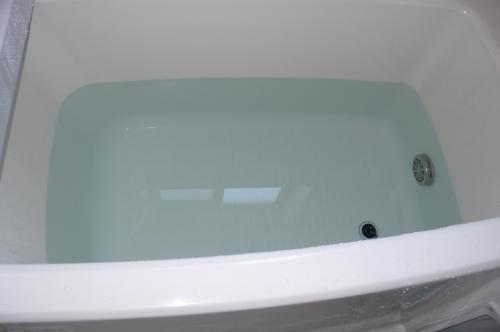 浴槽のお湯が水色になりました