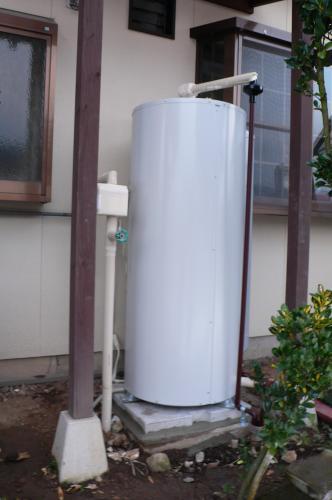 電気温水器の設置工事完了です