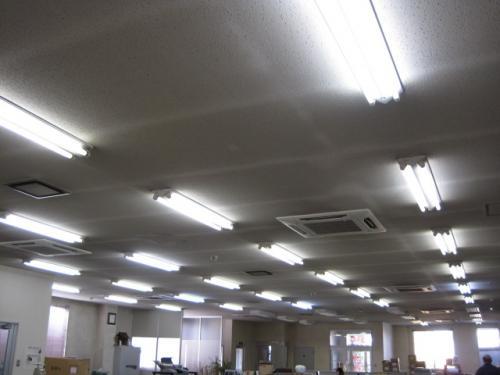 照明の交換工事が完了しました