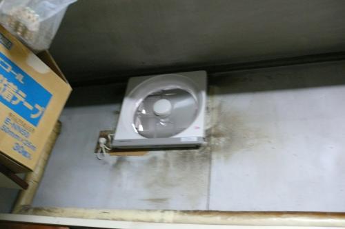 パナソニックの新しい換気扇に  交換しました