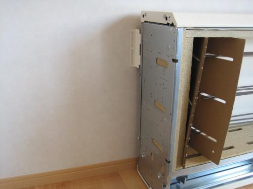 蓄熱暖房器の 転倒防止取付けます