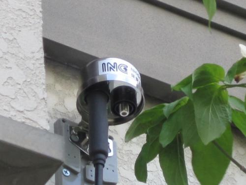 長野INCケーブルテレビの保安器を外壁に取付けます