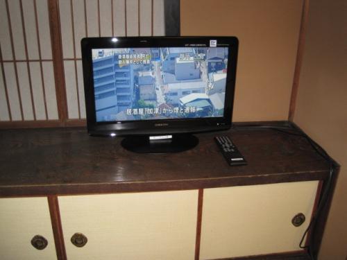 地デジ対応のテレビを数台購入するだけで  ほとんどの部屋のテレビを地デジ化に出来ました