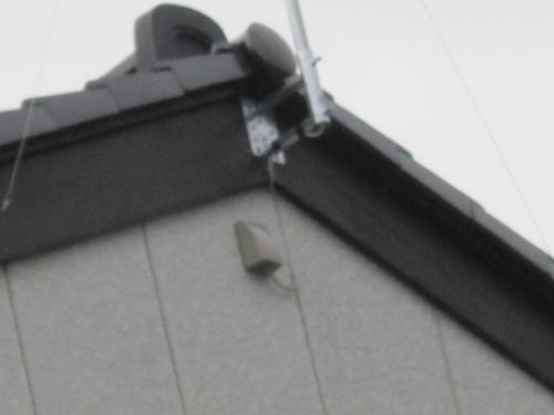 テレビ配線は入線カバーを取付けて室内に配線します