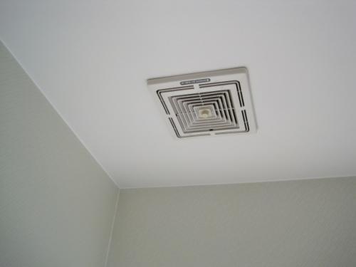 トイレの換気扇の音が大きくて困ります