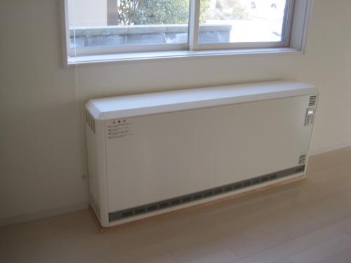 パナソニック・ユニデール蓄熱暖房器の取付工事完了です