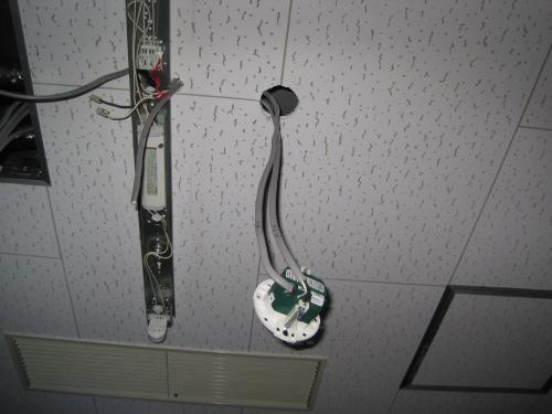 照明器具と連動させて配線します