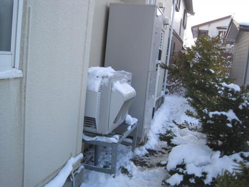 やっぱり冬は防雪カバーが必要です
