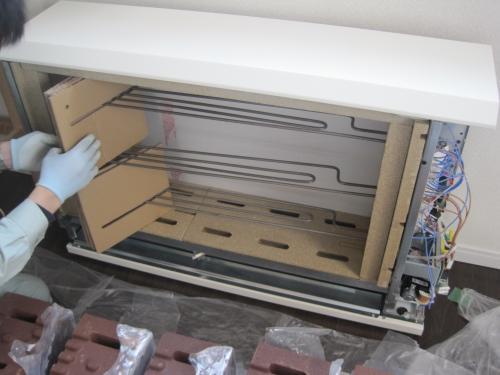 蓄熱用ヒーターの保護ガイドを取ります