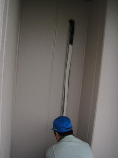 エアコンの室外機まで配管をします