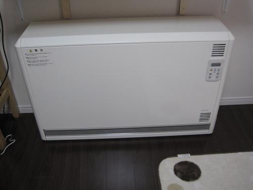 蓄熱暖房器の設置工事が完了しました