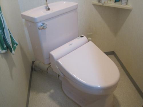 シャワートイレの交換が完了しました