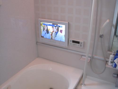 浴室のテレビ工事完了です