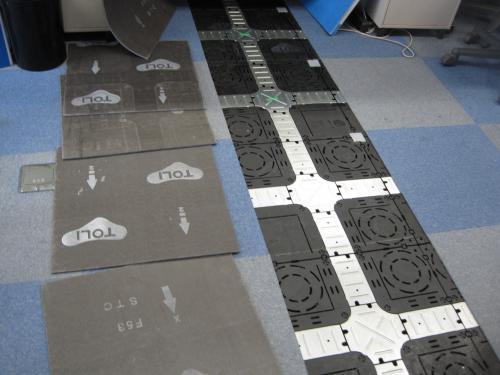 クッションフロアーの床下は配線ダクトになっています