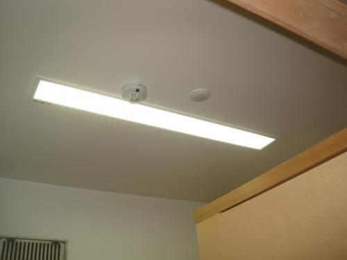 照明も点灯しました  これで照明の消し忘れもなく安心です