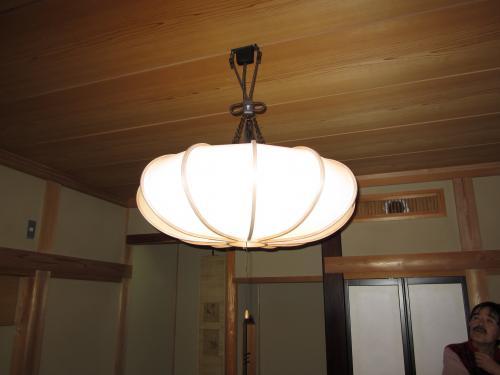 和風の照明器具に交換しました
