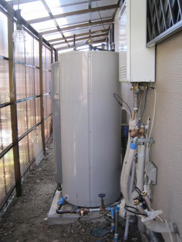 電気温水器をエコキュートに交換します