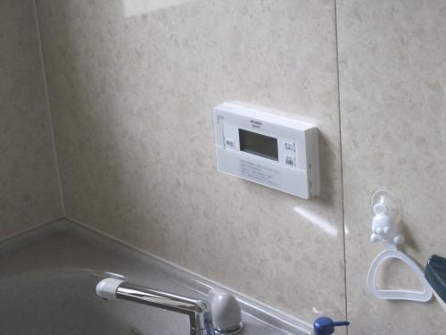 エコキュートの浴室リモコン取り付けました
