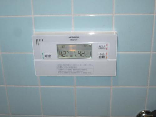 エコキュートの浴室リモコンに交換しました