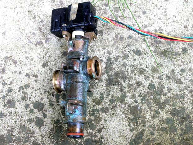電気温水器の修理03