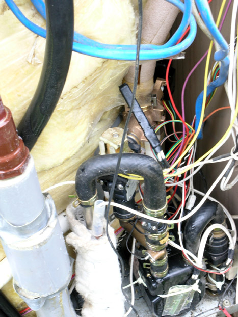電気温水器の修理07
