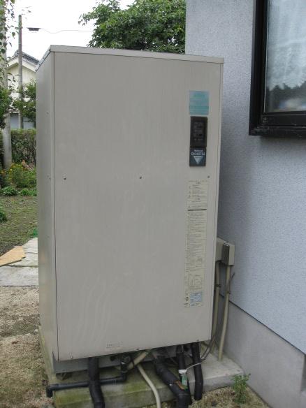 落雷による電気温水器の故障01