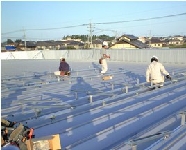 Honda Cars 太陽光発電-架台施工中03