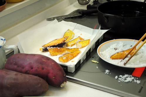 IHでサツマイモのフライ02