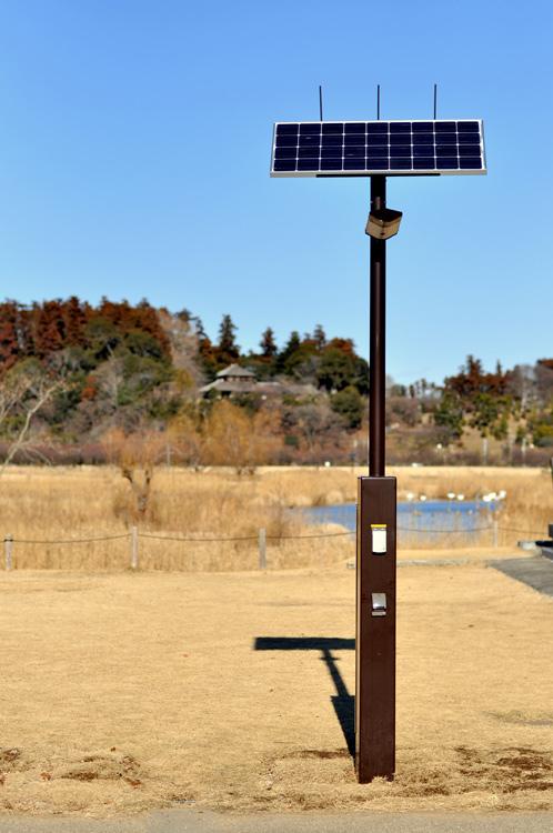 水戸市偕楽園下の公園に太陽光発電街灯01