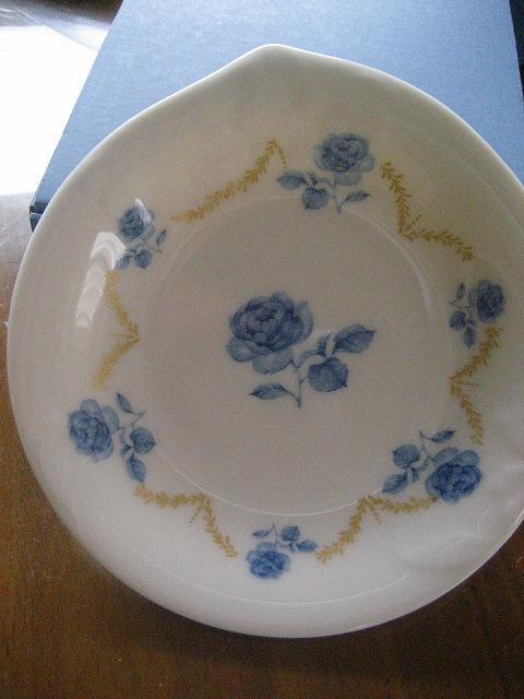 バラの花のお皿