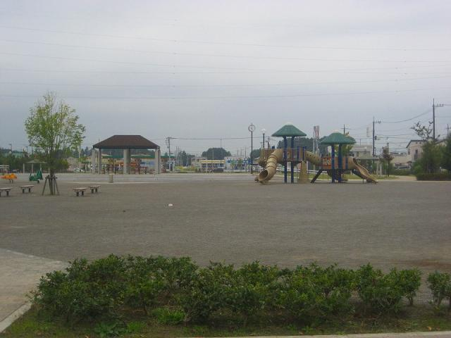 m-2308-004.jpg